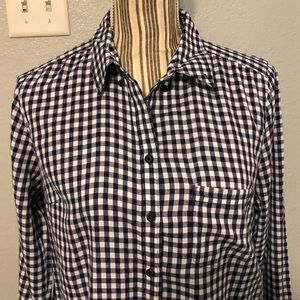 Gap blue and white gingham button shirt